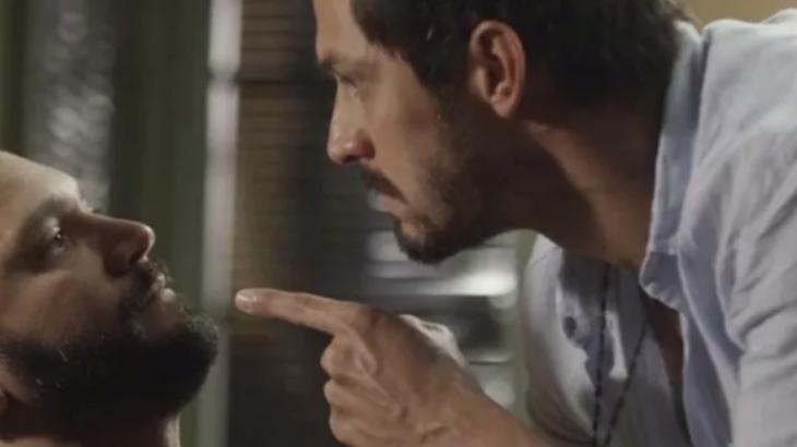 Marcos apontando o dedo para Diogo em Bom Sucesso - Divulgação/TV Globo