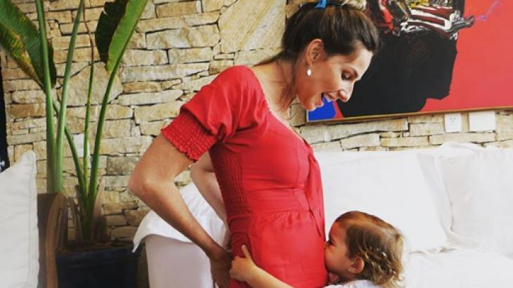 Mariana Weickert anuncia gravidez: