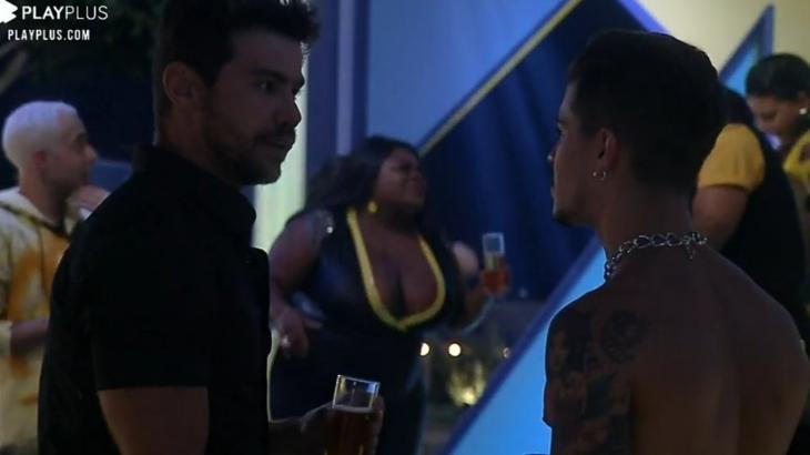 Mariano e Biel conversando