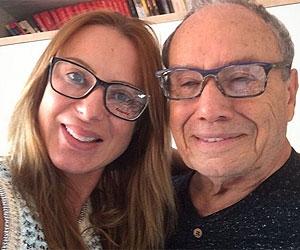 """Mulher de Stênio Garcia posa nua em rede social e diz: """"poderosa e feliz"""""""