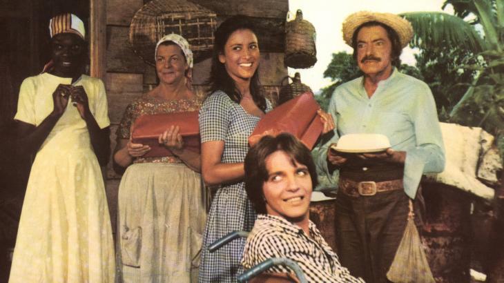 Na foto, André sentado em um dos filmes de Mazzaropi