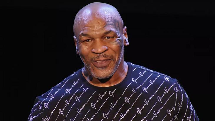 Mike Tyson sorrindo
