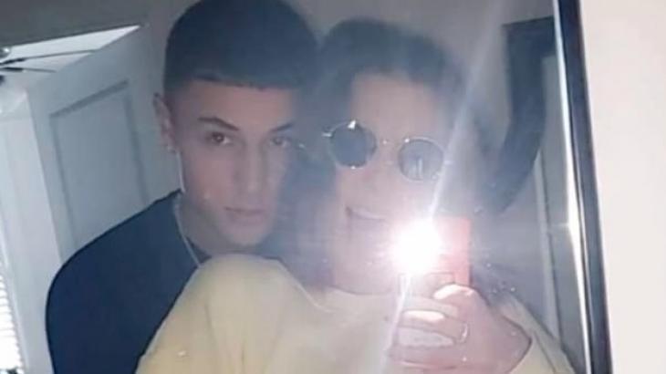 Millie Bobby Brown e o namorado: namoro confirmado - Reprodução/SnapChat