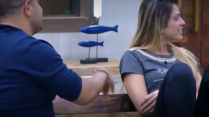 A Fazenda: Após bebedeira e suposto flerte com Felipe, Nadja é criticada por Evandro e Rafael