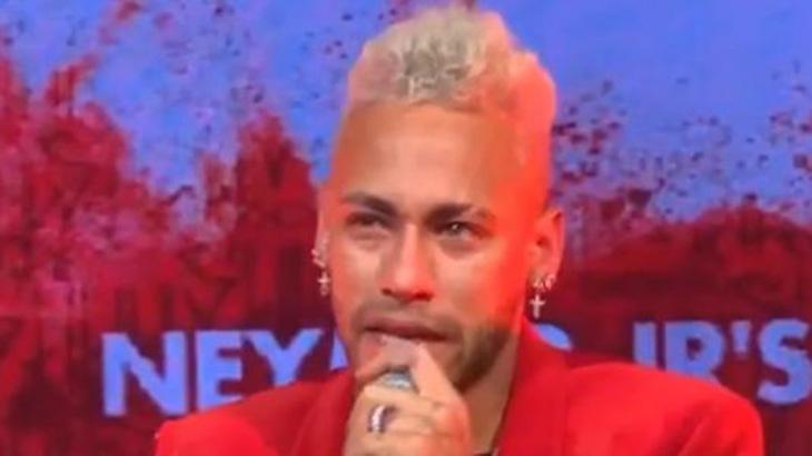 Neymar se emociona durante declaração em festa