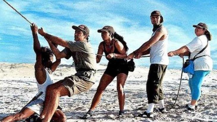 Como o nome sugere, No Limite tem como base testar a habilidade e resistência dos participantes. Dividido em tribos, eles recebiam um kit básico de utensílios de sobrevivência que continha...