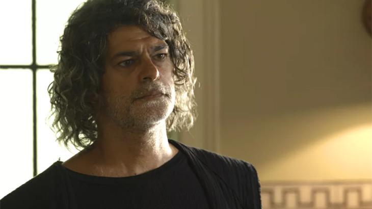 León virou humano após Gabriel (Bruno Gagliasso) tomar posse como guardião-mor