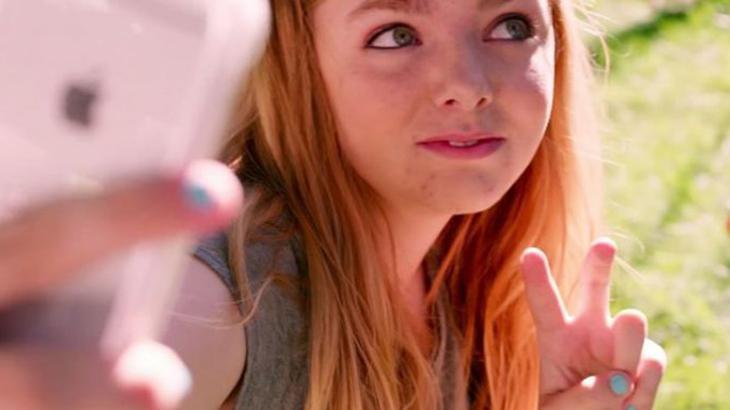 Elsie Fisher estrela o filme Oitava Série