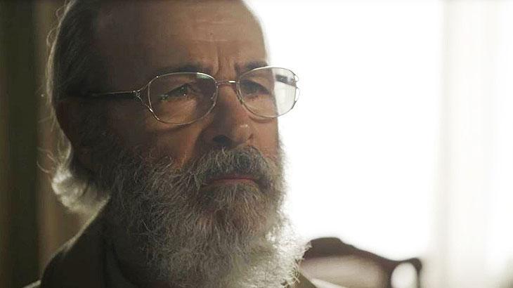 Bóris (Osmar Prado) dá notícia sobre Davi