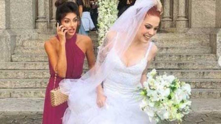 Valéria e Camila não puderam ter o beijo exibido em