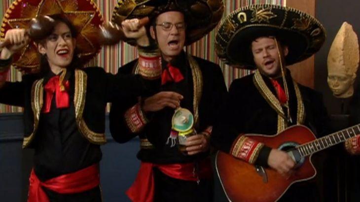 Aniversário de namoro e ele te leva a um restaurante mexicano. Vocês se desentendem por causa de ciúmes, quando um trio de Mariachi se aproxima da mesa e começa cantar bem na hora da discussão. Você...