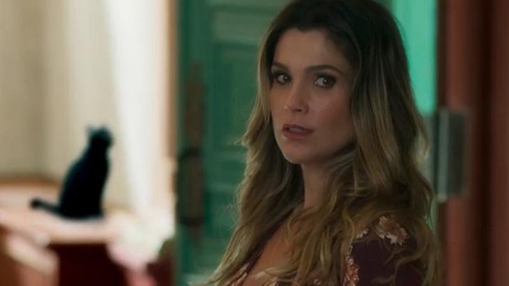Flávia Alessandra como Cássia em