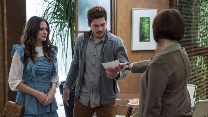 Carmen entrega foto de Livaldo a Samuca - Divulgação/TV Globo