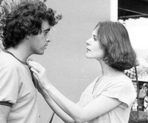 Com Verdades Secretas, Walcyr Carrasco iguala Janete Clair e mira Ivani Ribeiro