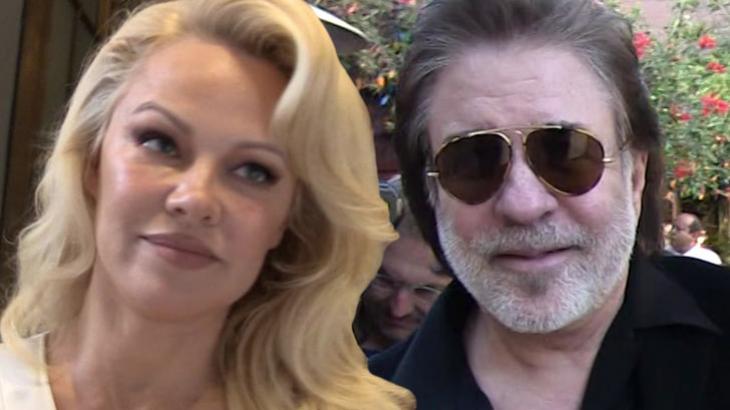 Pamela Anderson e Jon Peters, seu atual marido - Reprodução