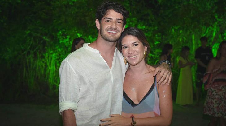 Alexandre Pato e Rebeca Abravanel estão juntos desde o final de 2018