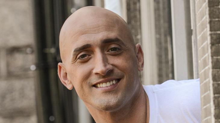 Paulo Gustavo sorridente, posado para foto