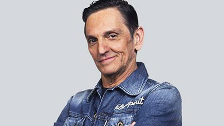 Paulo Miklos se acerta com a Globo e deixa série do SBT com elenco de