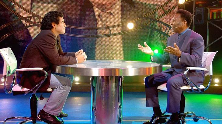 Há 15 anos, Maradona jogava bola com Pelé na estreia de seu programa na Argentina