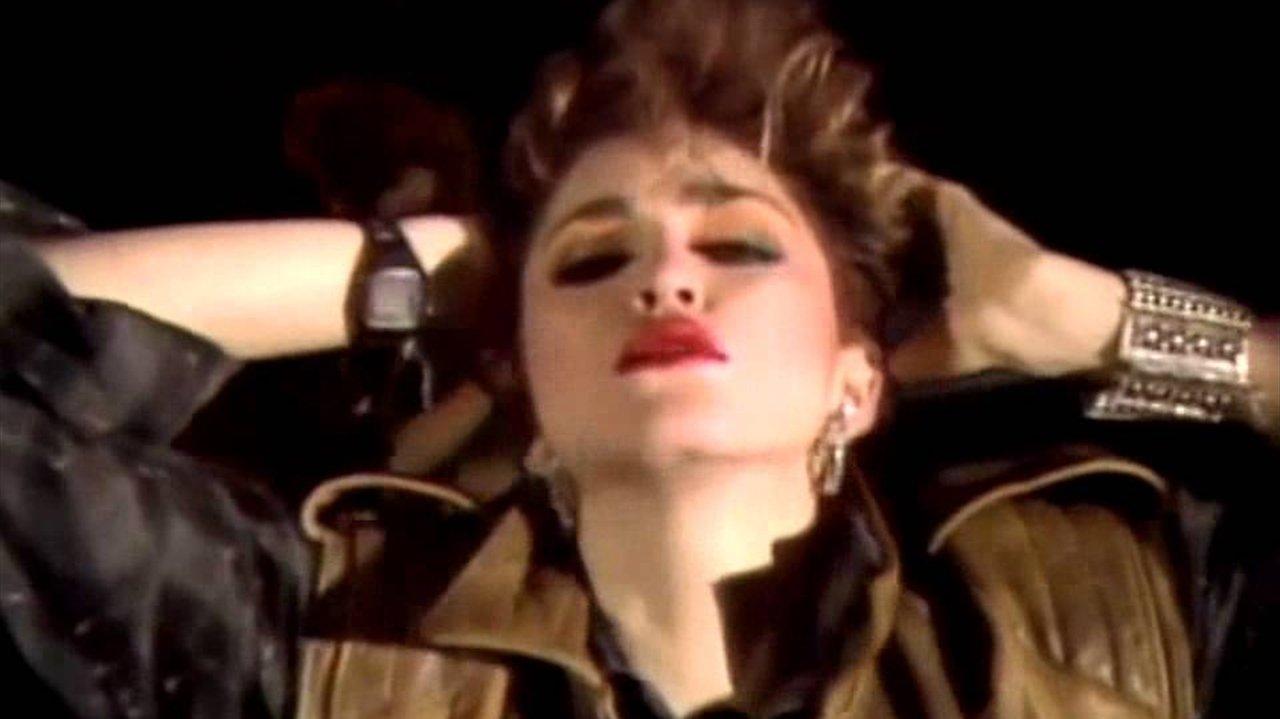 Qual foi o primeiro single de sucesso da Madonna?