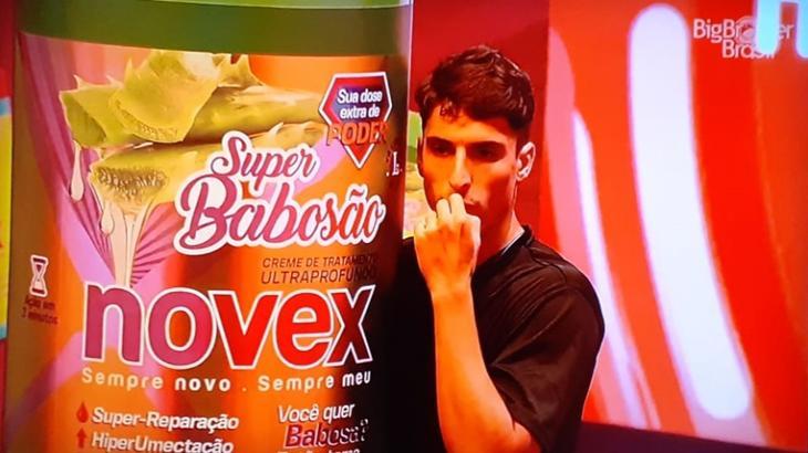Felipe Prior durante o reality show BBB20
