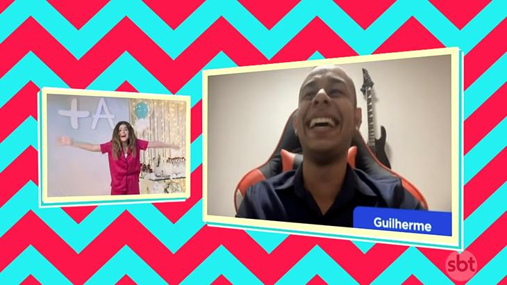 Maisa conversa com Guilherme, antigo telespectador, durante live de aniversário