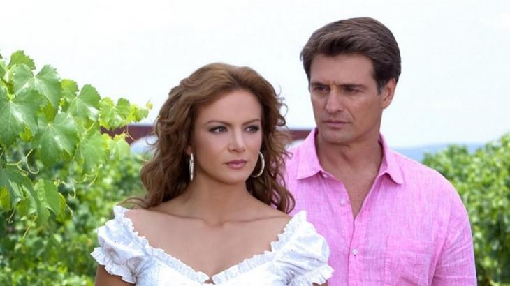 Novela mexicana do SBT tem mesmo Ibope de Amor sem Igual, da Record