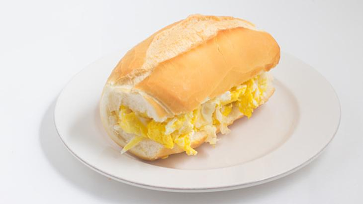 Pão com ovos