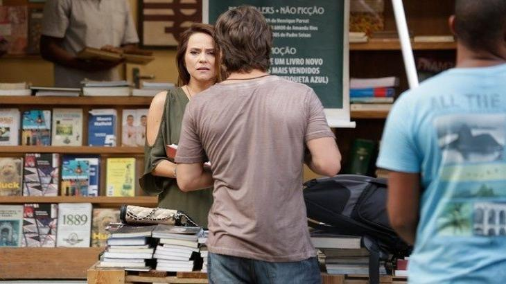 Lili reconhece a filha morta em Totalmente Demais - Reprodução/TV Globo