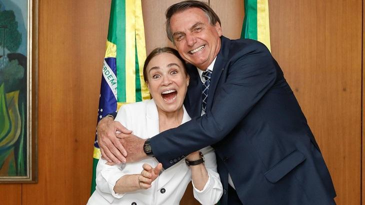 Jair Bolsonaro ao lado de Regina Duarte - Foto: Reprodução