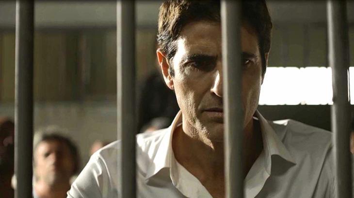 Régis é preso injustamente em A Dona do Pedaço; autora dos crimes é Josiane - Divulgação/TV Globo