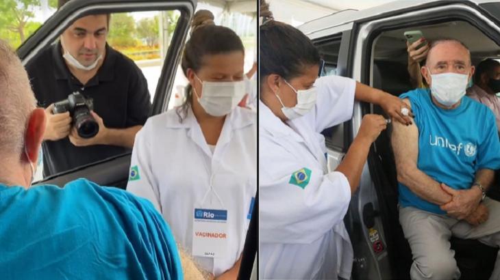 Renato Aragão tomando vacina
