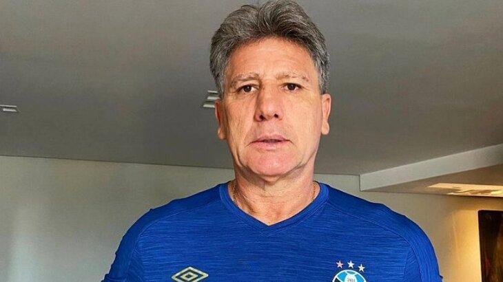Sério, Renato Gaúcho posado para foto