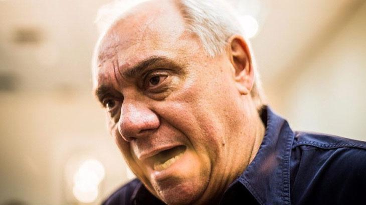 Marcelo Rezende consagrou-se como um dos maiores jornalistas e comunicadores do Brasil. Com seu jeito durão e irreverente, conquistou uma legião de fãs sob o comando do policialesco