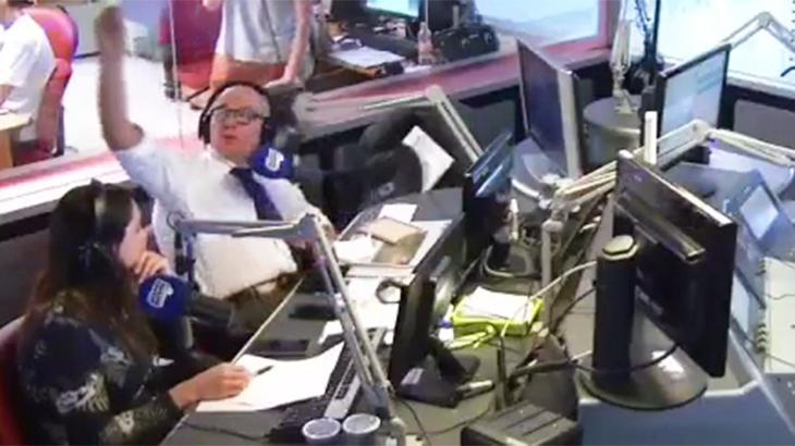 Ricardo Boechat em seu programa no rádio