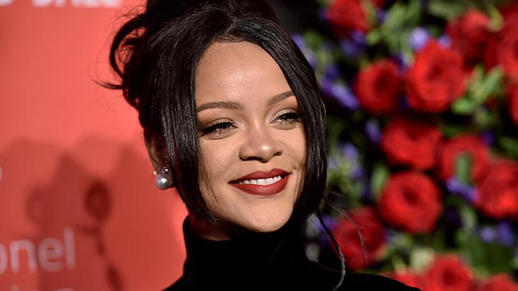 Após show, fãs apontam possível gravidez de Rihanna
