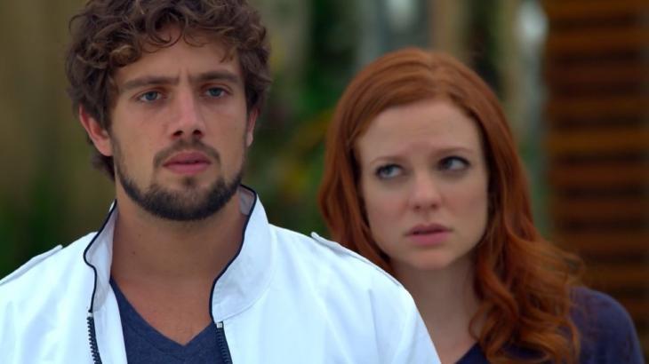 Rodrigo assustado com Ana beijando Lúcio