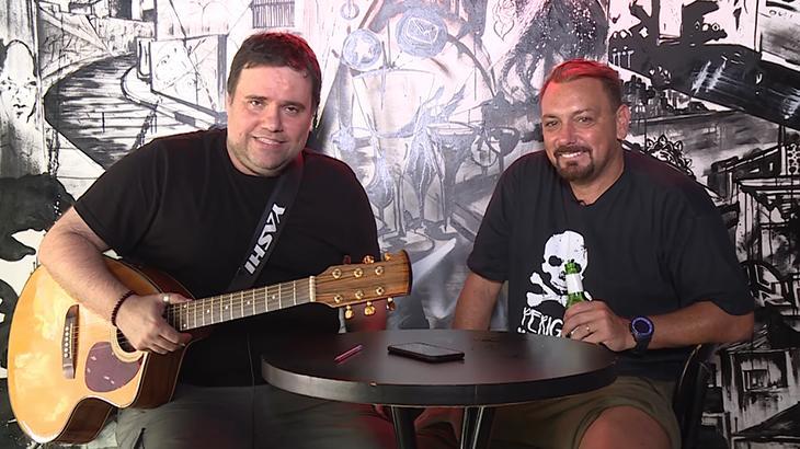 Rodrigo Rodrigues e Alê Oliveira (Foto:Reprodução/YouTube/De Sola)