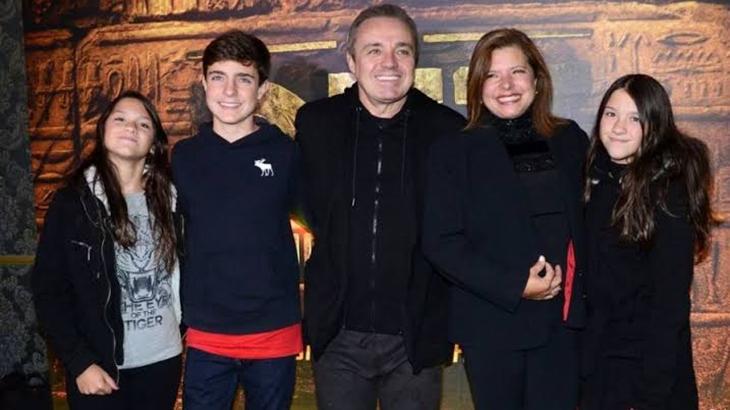 Gugu ao lado da sua família - Foto: Reprodução