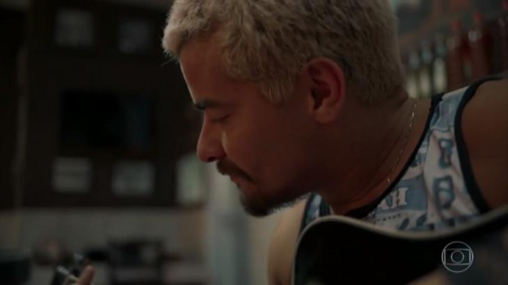 Ryan fica solteiro e apronta todas em Amor de Mãe - Reprodução/TV Globo