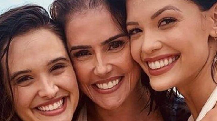 Luna, Aleixa e Kyra sorridentes