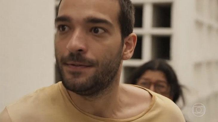Humberto Carrão é Sandro em Amor de Mãe - Foto: Reprodução/Globo