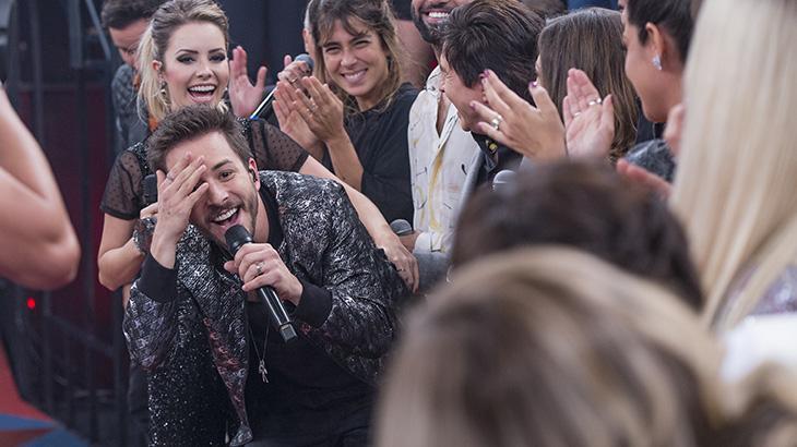 Globo leva Sandy e Junior ao palco do