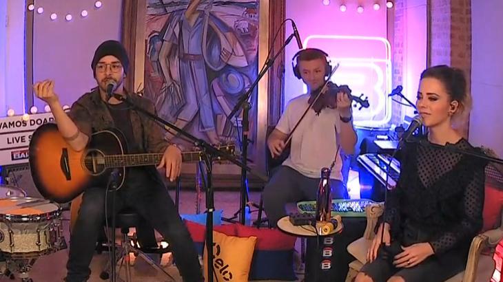 Sandy e Junior em live - Foto: Reprodução/Youtube