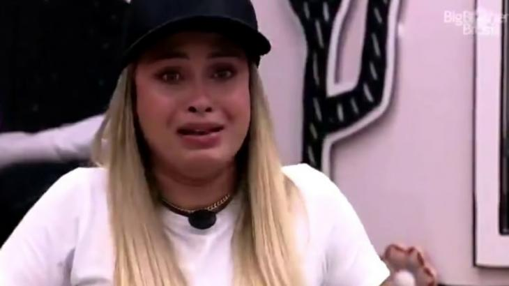 Sarah chorando no BBB21