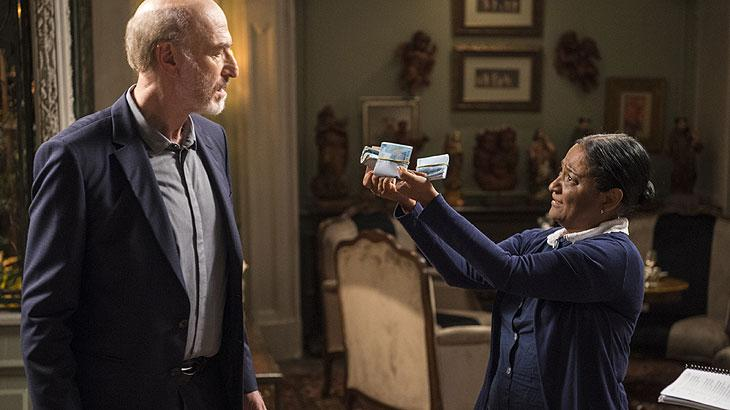 Zefa fica com o dinheiro para ajudar o tratamento de Rochelle