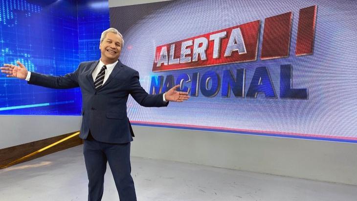 Sikêra Jr aproveita queda da Band e bate recorde de audiência na RedeTV! - Televisão - NaTelinha
