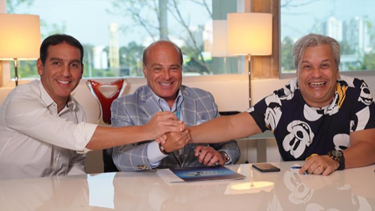 O apresentador Sikêra Jr renova com a RedeTV! por mais sete anos