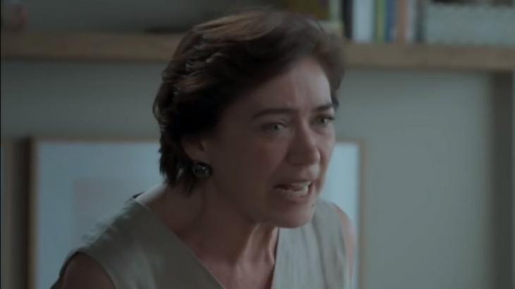 Silvana reage à notícia de que irene apanhou em A Força do Querer - Reprodução/TV Globoa