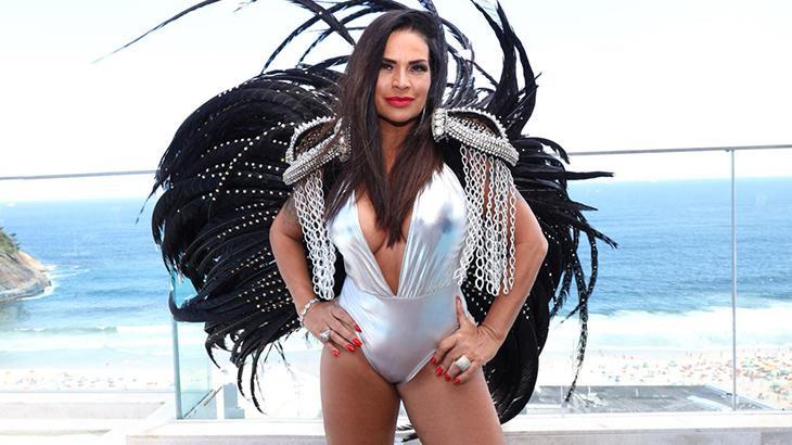 Solange Gomes é eterna musa do carnaval e da Banheira do Gugu